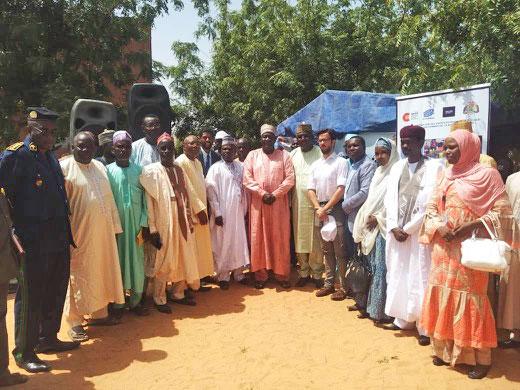 Photo con los representantes nacionales y regionales durante el lanzamiento oficial del convenio